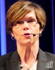 米Hewlett-Packard Company Senior Vice President and General Manager of HP NetworkingのBethany Mayer氏