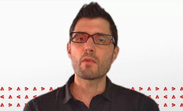 Adobe デジタルメディアビジネス エンタープライズ製品担当バイスプレジデントのSimon Longbottom氏